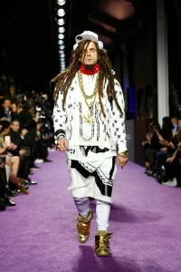Justin Theroux walks the runway during the New York City premiere for Zoolander No.2