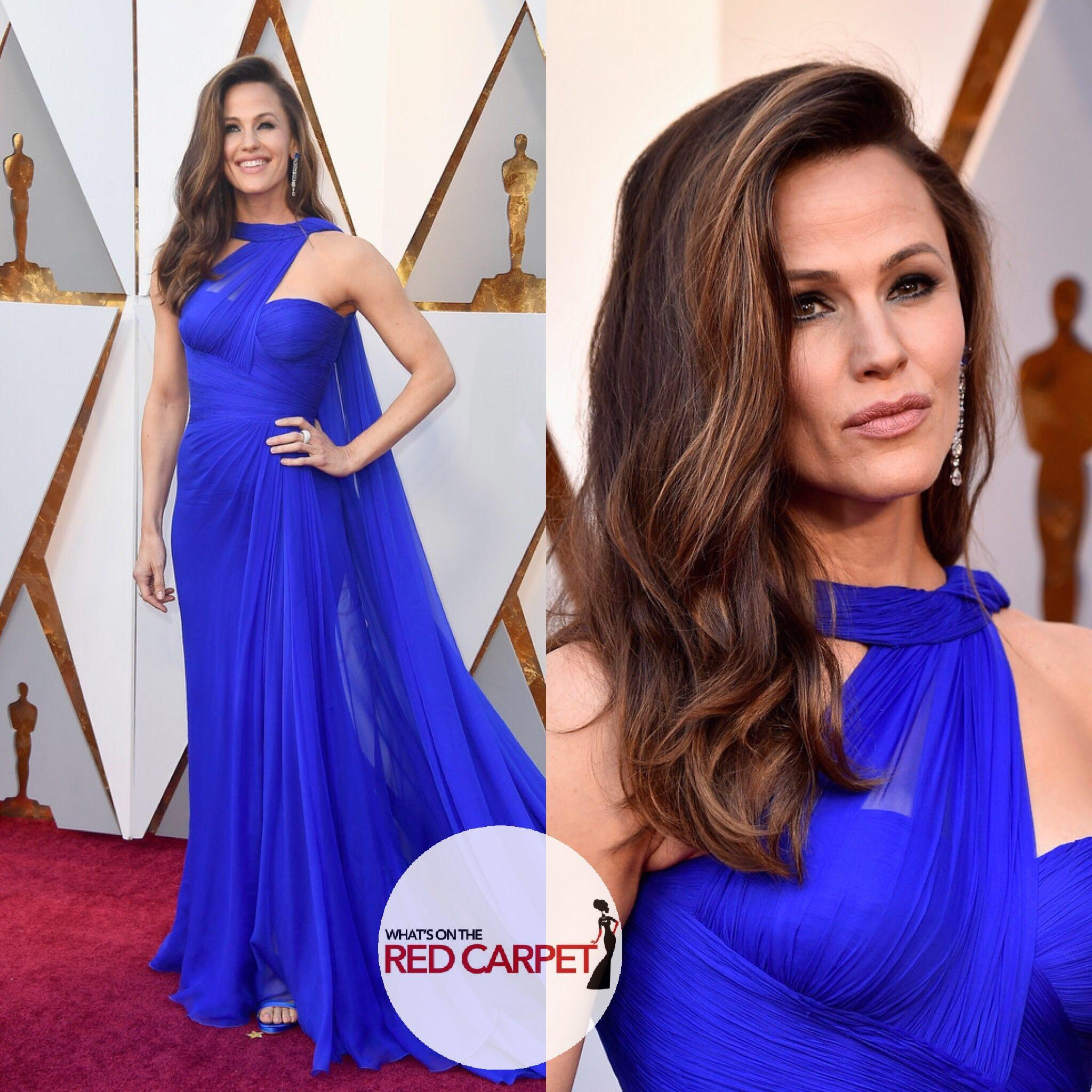 Jennifer Garner Wears Versace To The 2018 Oscars Whats