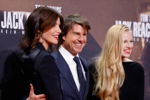 Cobie Smulders, Tom Cruise and Danika Yarosh Jack Reacher: Never Go Back Berlin Premiere