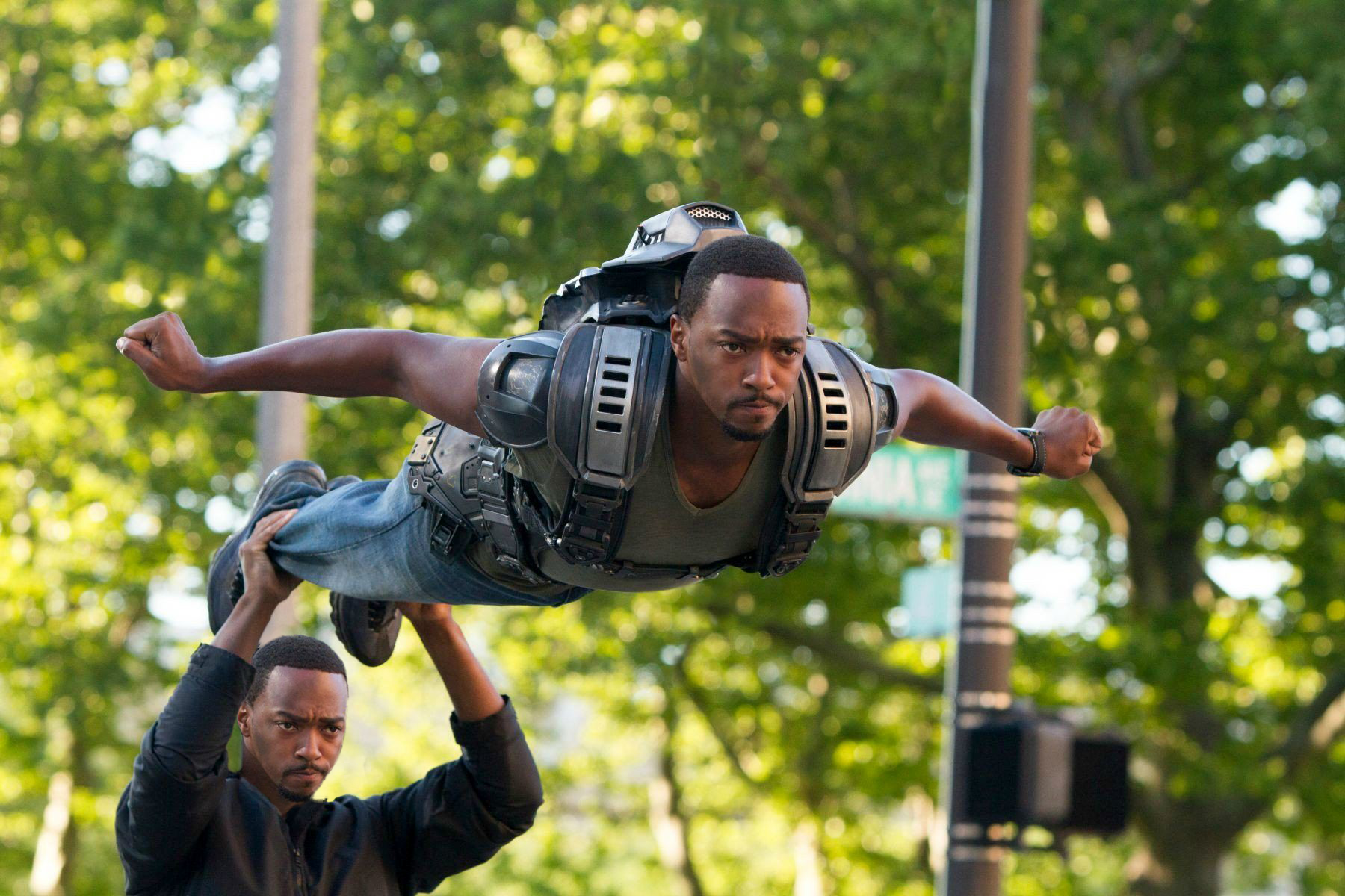 anthony mackie captain america the winter soldier film set